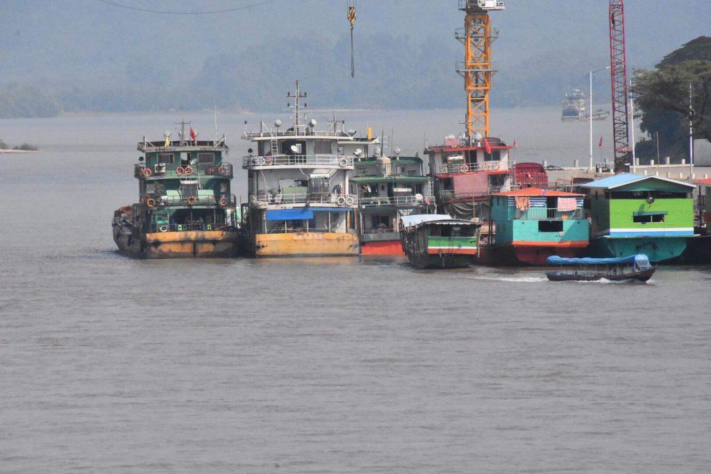 จีนประโคมข่าวปล่อยน้ำลงแม่น้ำโขงเพิ่ม ระบุแม้ยูนนานแล้งจัดแห้งเขื่อน 43 แห่งแต่เพื่อตอบรับความจำเป็นเร่งด่วนของไทย เอ็นจีโอ-นักกฎหมายรุมสวดยับ ชี้ต้นเหตุเกิดจากเขื่อนแดนมังกร